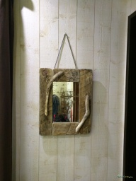 Wooden square mirror / Apercu n 6